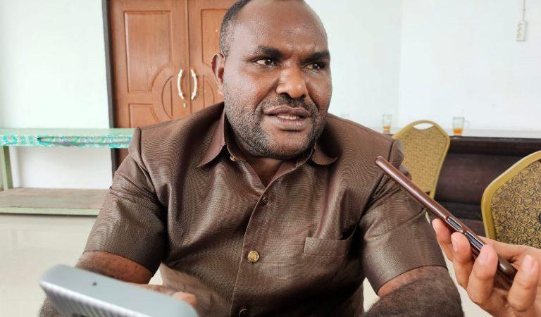 Ketua DPRD Mimika : Gedung SDI Kwamki Perlu Dibangun Baru