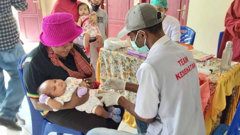 Ratusan Anak Ikut Posyandu di Kampung Mawokau Jaya